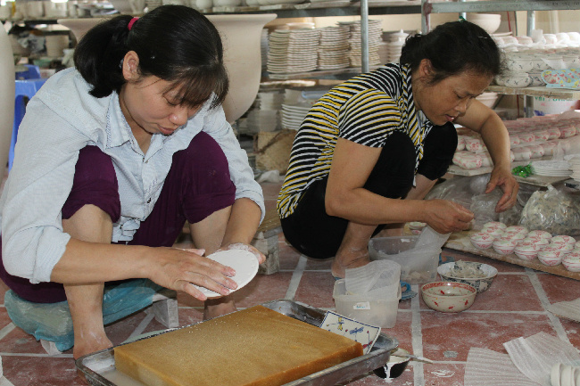 Ceramics making at Bat Trang pottery village