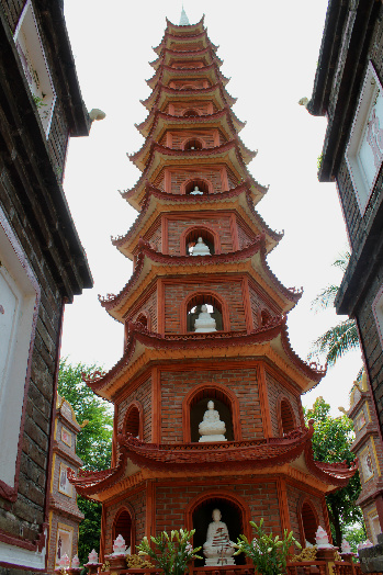 Trấn Quốc Pagoda, the oldest Buddhist temple in Hanoi