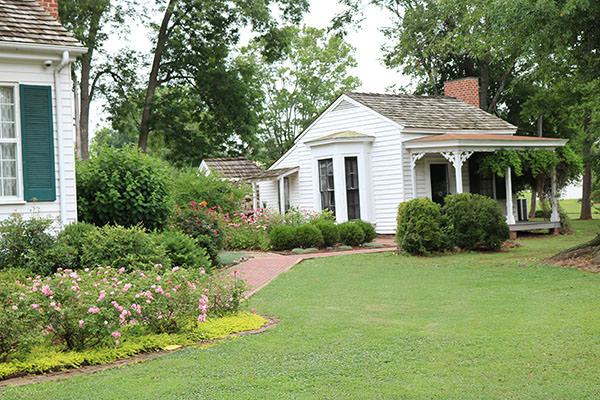 A Visit To Ivy Green Helen Keller S Birthplace Nancy D