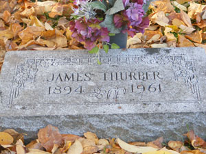 James Thurber's grave at Green Lawn Cemetery