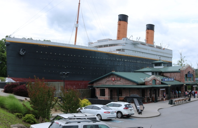Temperature In Pigeon Forge Tennessee >> Titanic Museum A Pigeon Forge Tn Thumbs Up Nancy D Brown
